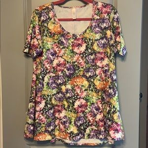 Floral perfect t